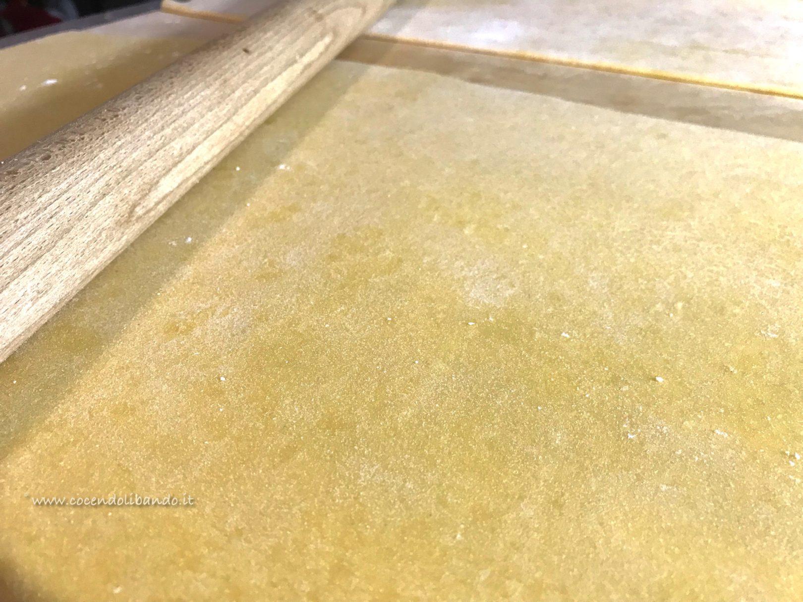 Fagottelli di cappone con cardoncelli e spuma di parmigiano