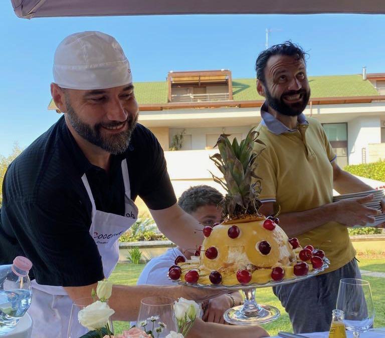 Zuccotto semifreddo di ananas e ciliegie