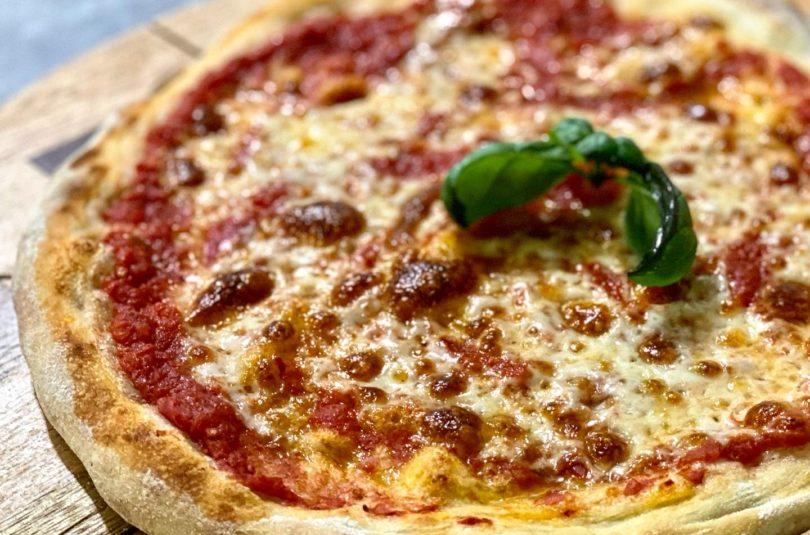 Pizza napoletana (nel forno di casa)
