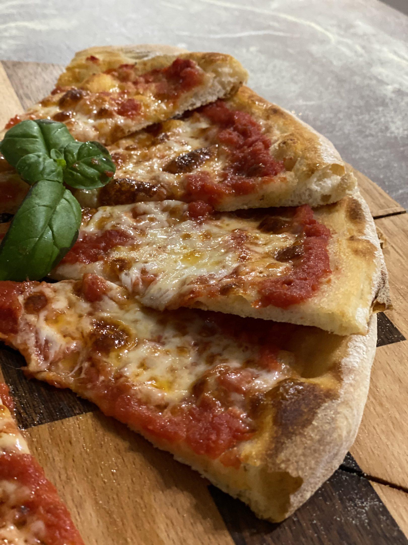 Pizza napoletana (nel forno di casa) Cocendolibando